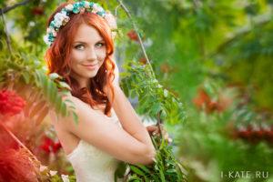 Невеста с венком на голове